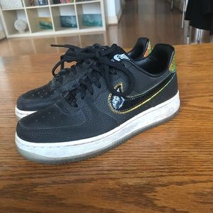 Black/glitter BARELY WORN Nike Air Force 1